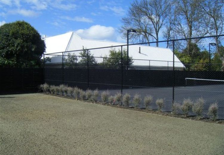 pipe and mesh fencing