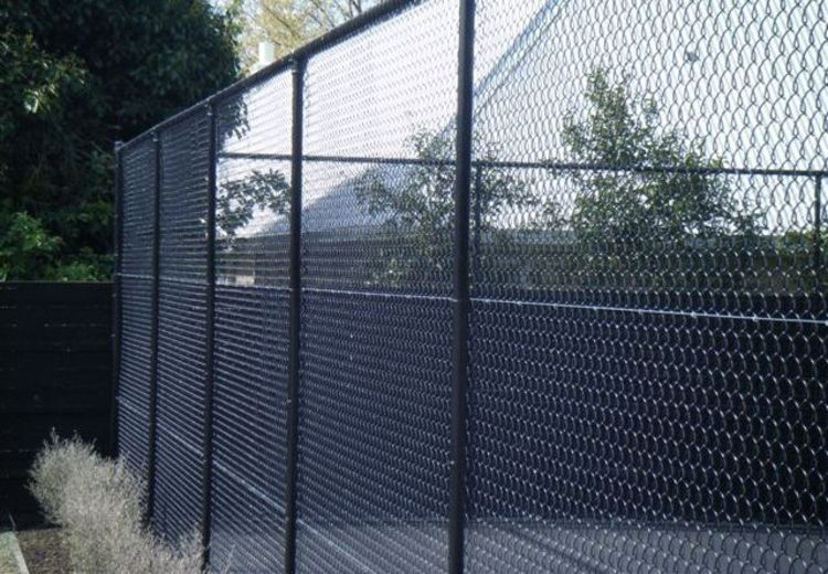 pipe and mesh fencing2