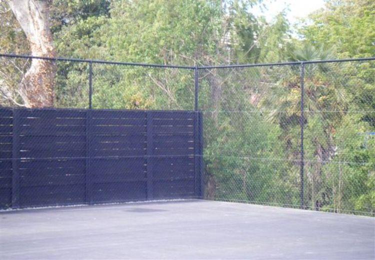 tennis courts fences